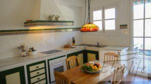 Se vende Casa en Ojen de estilo Feng-Shui con terraza por 390.000€