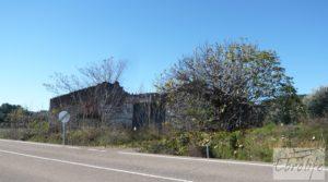 Venta-Posada antigua en La Fresneda a buen precio con pozo por 42.000€