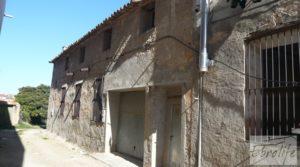 Foto de Parcela urbana en Maella, muy cerca del centro. en venta con garage por 39.000€