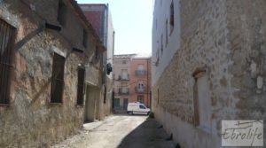 Parcela urbana en Maella, muy cerca del centro. en oferta con garage