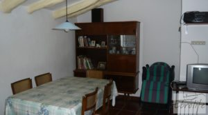 Detalle de Casa de campo en Maella con finca de frutales y olivos con arboles frutales por 97.000€