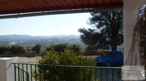 Casa de campo en Maella con finca de frutales y olivos en oferta con arboles frutales por 97.000€