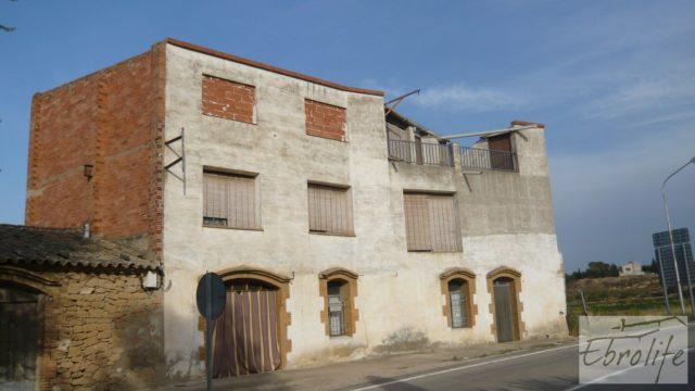Excelente casa en Maella con garaje 🏠🚗