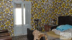 Se vende Casa de piedra en el centro de Batea con garage