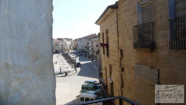 Casa de piedra en el centro de Batea