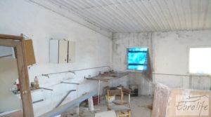 Foto de Finca de regadío con varias naves adaptadas para entrar a vivir. con regadío por 85.000€