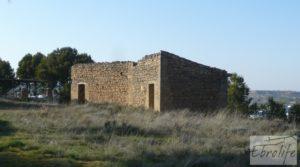Masía de piedra en Maella para reformar. para vender con vistas privilegiadas por 17.000€