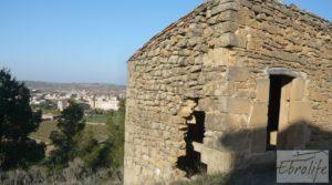 Se vende Masía de piedra en Maella para reformar. con vistas privilegiadas por 17.000€