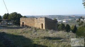 Masía de piedra en Maella para reformar. a buen precio con vistas privilegiadas