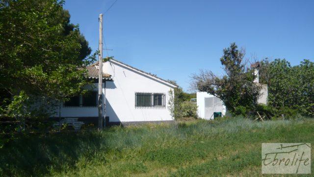 Torre con piscina privada y garaje en Caspe