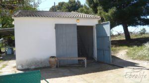 Detalle de Torre con piscina privada y garaje en Caspe con jardín