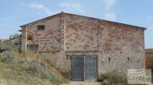 Chalet y Naves en Fabara. Buen acceso y estupendas vistas. en oferta con buen acceso por 65.000€