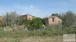 Se vende Chalet y Naves en Fabara. Buen acceso y estupendas vistas. con buen acceso