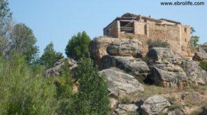Torre en la Zaragozeta Caspe en venta con cereales por 120.000€