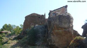 Torre en la Zaragozeta Caspe a buen precio con olivos