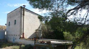 Torre en la huerta de Caspe en venta con agua por 38.000€