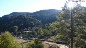 Detalle de Masía con agua cerca de Fuenteespalda