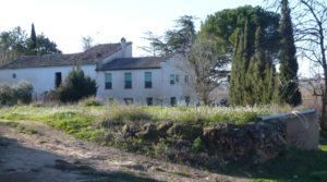 Gran casa de campo en Maella a buen precio con río