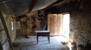 Foto de Olivar con casa de piedra en Maella. con privacidad por 23.000€