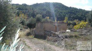Casa en el río Tastavins, en La Portellada. en venta con olivos centenarios
