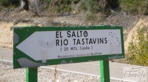 Casa en el río Tastavins, en La Portellada. en venta con almendros por 36.000€