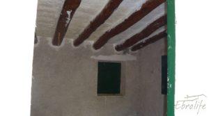Detalle de Casa en el río Tastavins, en La Portellada. con almendros por 36.000€