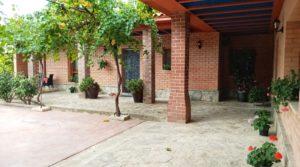 Hacienda en Caspe en oferta con casa por 595,000€