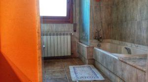Detalle de Hacienda en Caspe con jardín por 595,000€