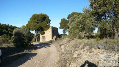 Masía de piedra en Maella.