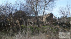 Detalle de Antiguo Molino aceitero en Arens de Lledo. con fosa séptica