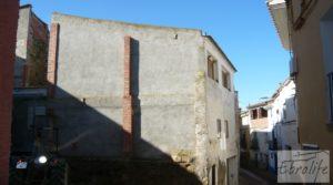 Detalle de Gran casa en Chiprana con patio por 50.000€