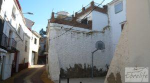 Gran casa en Chiprana a buen precio con garaje