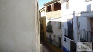 Gran casa en Chiprana a buen precio con terraza