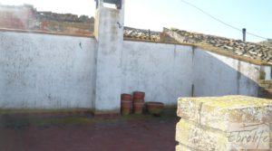 Gran casa en Chiprana a buen precio con patio por 50.000€