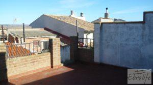 Foto de Gran casa en Chiprana en venta con terraza por 50.000€