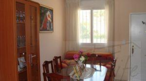 Casa con jardín en Maella a buen precio con jardín