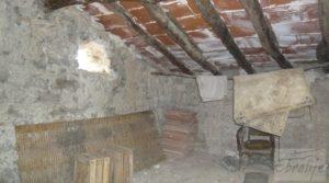 Se vende Magnífica masía en Valderrobres, rodeada de almendros. con balcón por 110.000€