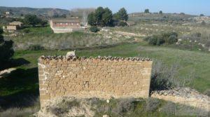 Casa de campo en Caspe en oferta con regadío