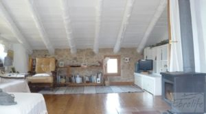 Masía en Torre del Compte. para vender con calefacción central por 350.000€