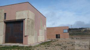 Estudio-chalet en Alcañiz. en oferta con ubicación privilegiada