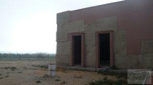 Estudio-chalet en Alcañiz. en oferta con garage