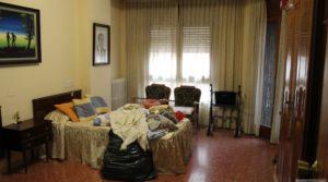Piso situado en Alcañiz, muy luminoso y espacioso. en oferta con muy luminoso