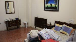 Foto de Piso situado en Alcañiz, muy luminoso y espacioso. en venta con armarios empotrados