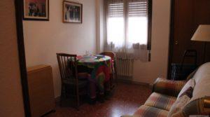 Piso situado en Alcañiz, muy luminoso y espacioso. para vender con armarios empotrados por 98.000€