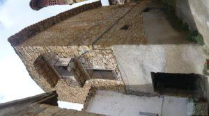 Detalle de Casa y olivar en Fornoles con buenas vistas por 19.000€