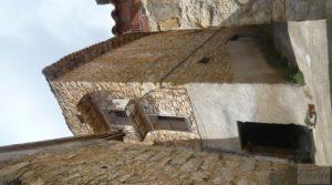 Casa y olivar en Fornoles en venta con bodega por 19.000€