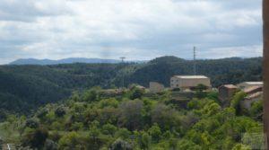 Casa y olivar en Fornoles en oferta con bodega