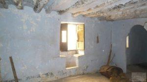 Casa y olivar en Fornoles a buen precio con buenas vistas por 19.000€