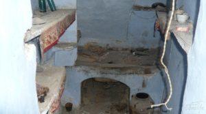 Casa y olivar en Fornoles a buen precio con bodega