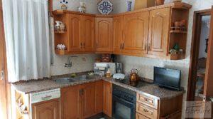 Vendemos Gran casa rodeada de jardines en Caspe. con jardines